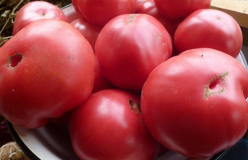 Шапка в виде помидора